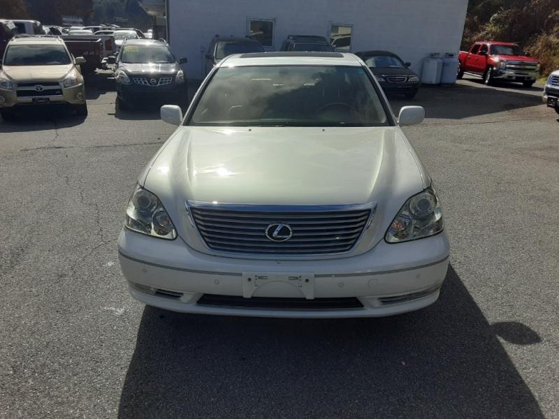 Lexus LS 430 2004 price $9,995