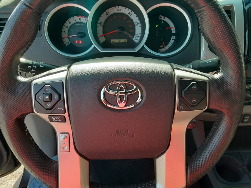 Toyota Tacoma 2015 price $27,995