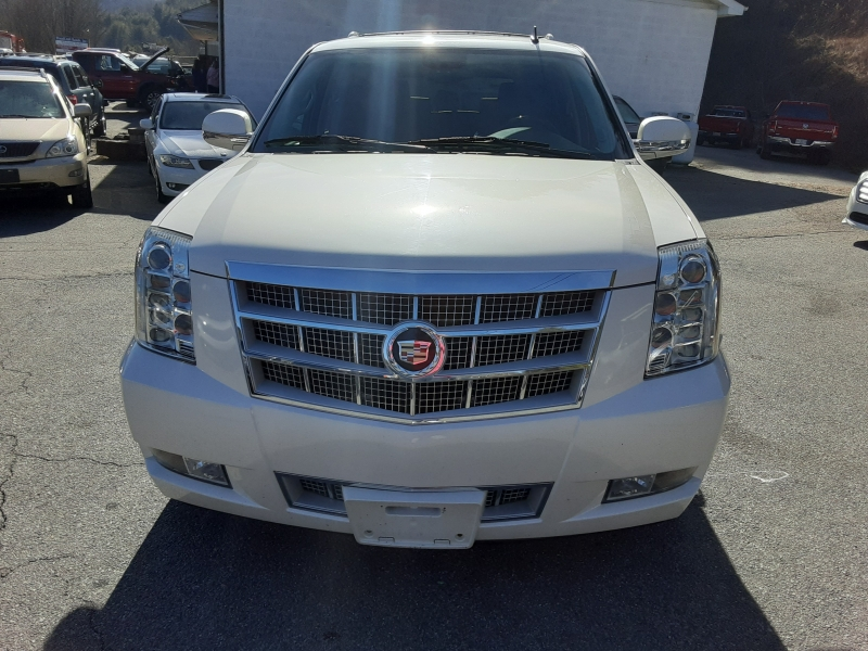 Cadillac Escalade 2013 price $26,995