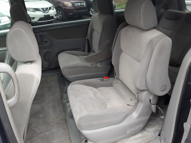 Toyota Sienna 2007 price $7,995