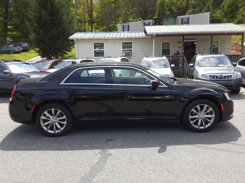 Chrysler 300 2015 price $8,995