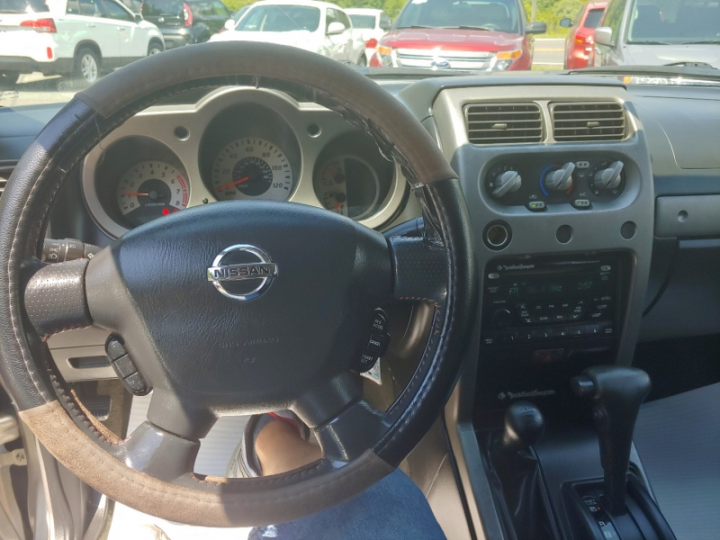 Nissan Frontier 4WD 2004 price $9,995