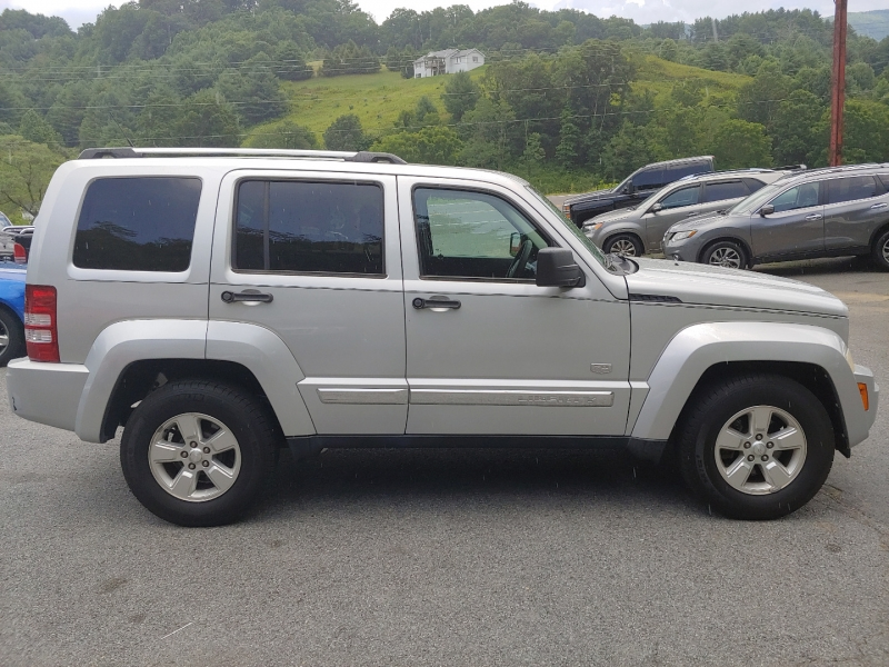 Jeep Liberty 2011 price $7,995