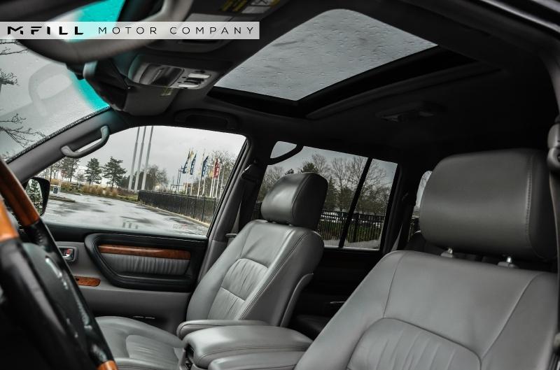 Lexus LX 470 2006 price $16,499