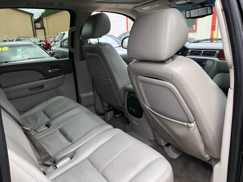 GMC Yukon XL 2011 price $15,995