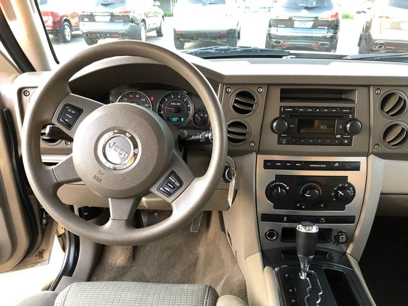 Jeep Commander 2006 price $6,995