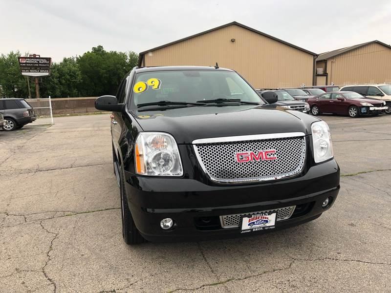 GMC Yukon 2009 price $16,995