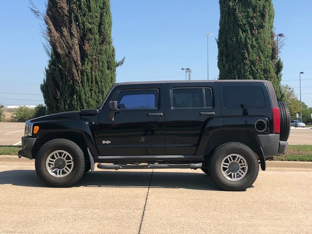 Hummer H3 2007 price $9,988