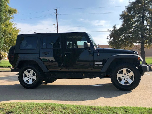 Jeep Wrangler Unlimited 2010 price $15,988