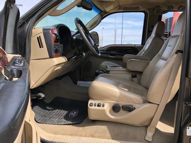 Ford Super Duty F-350 DRW 2005 price $10,488