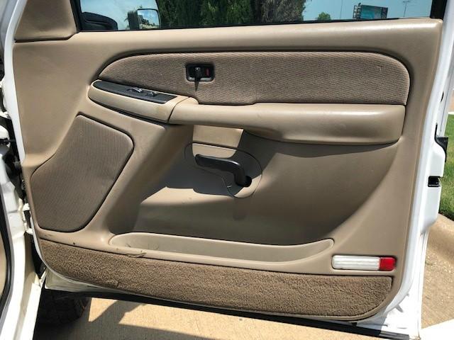 GMC Sierra 3500HD 2003 price $10,988
