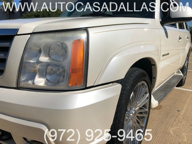 Cadillac Escalade 2005 price $4,888