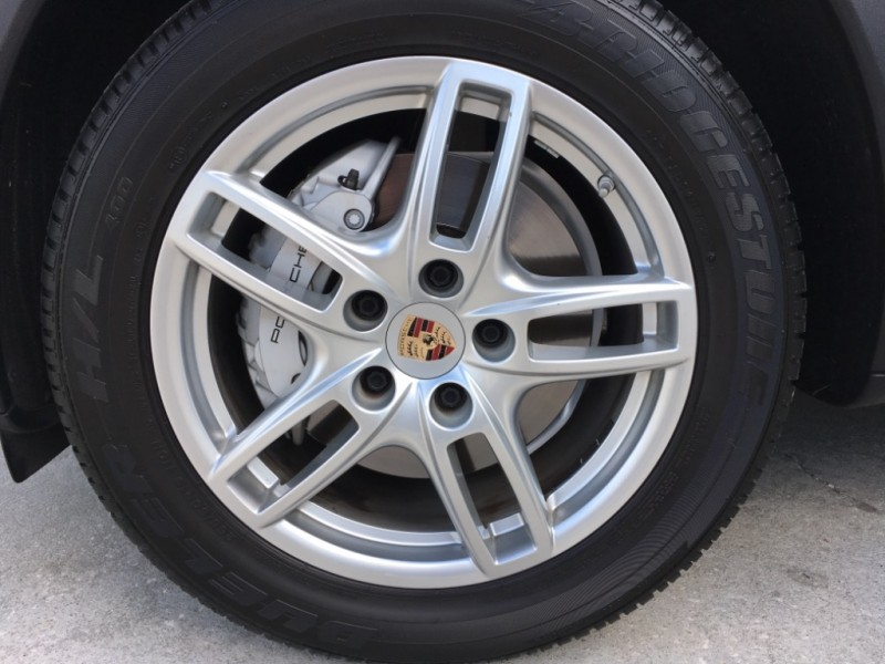 Porsche Cayenne 2014 price $36,495