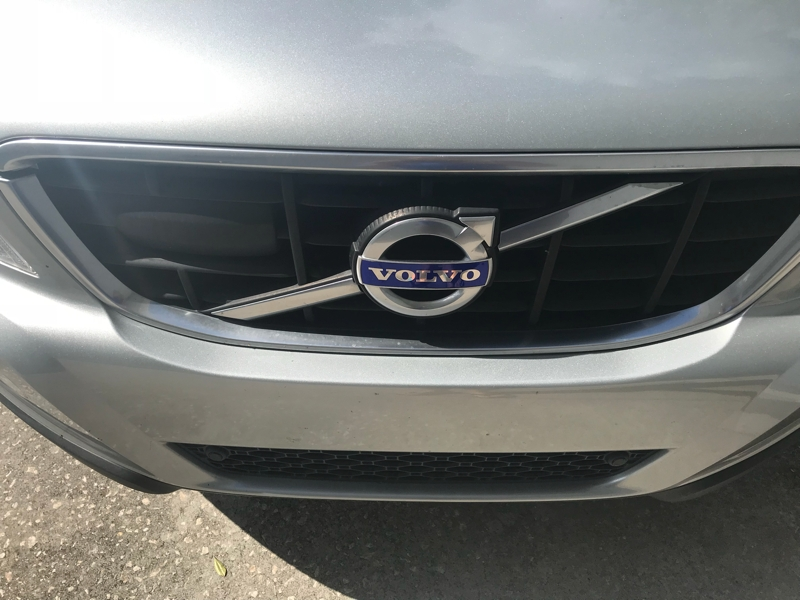 Volvo XC60 2010 price $0