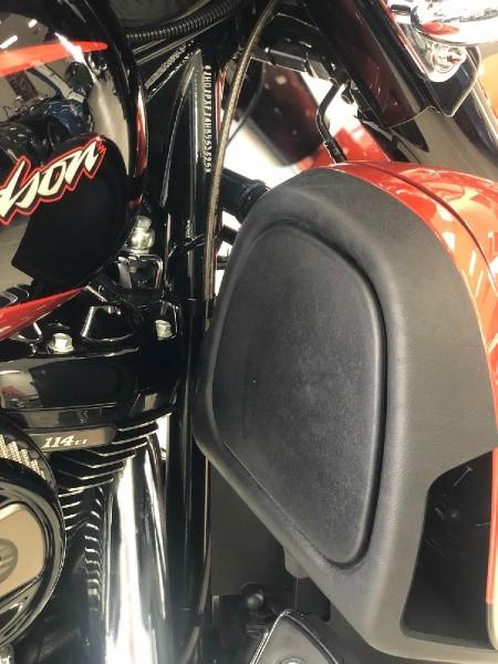 Harley Davidson CVO Street Glide FLHXSE 2017 price $35,500