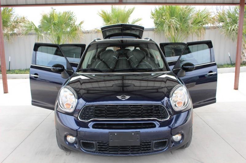 Mini Cooper Countryman 2014 price $13,995