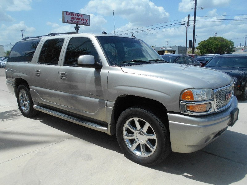 GMC Yukon XL Denali 2005 price $9,995