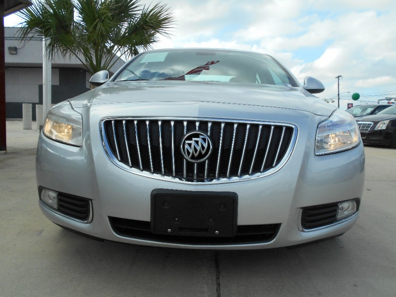 Buick Regal 2011 price $9,995