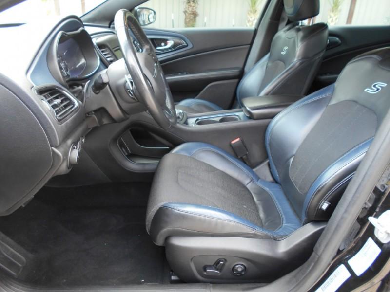 Chrysler 200 2015 price $15,995