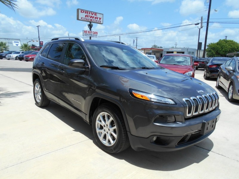 Jeep Cherokee 2015 price $16,999