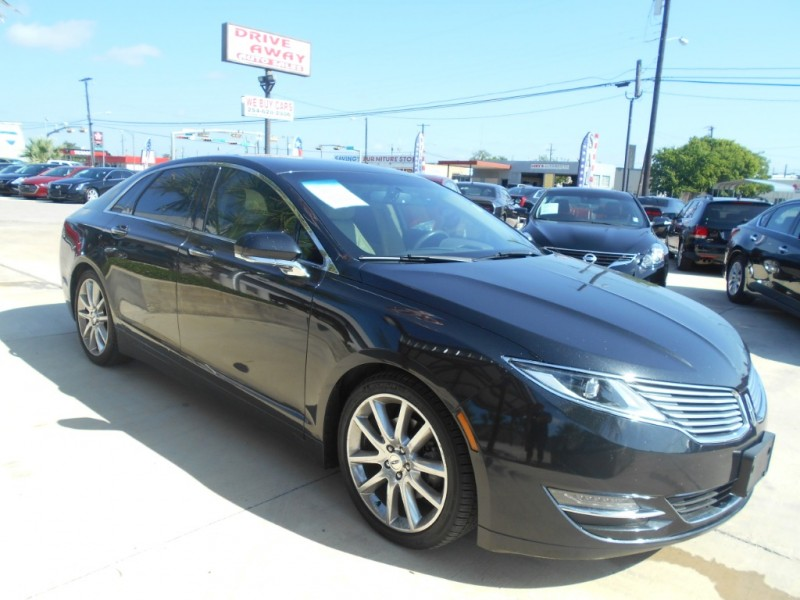 Lincoln MKZ 2014 price $17,999