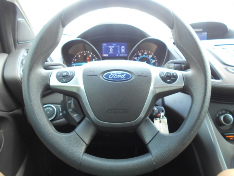 Ford Escape 2015 price $15,995