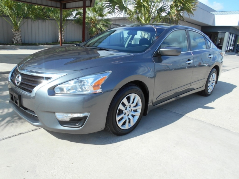Nissan Altima 2015 price $13,995