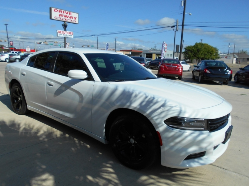 Dodge Charger 2016 price $18,550