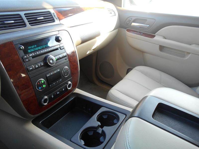 Chevrolet Tahoe 2011 price $16,999
