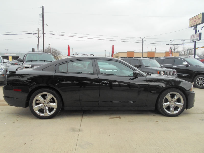 Dodge Charger 2013 price $16,995