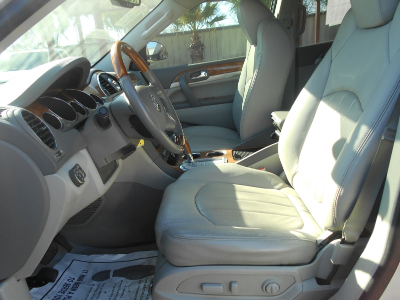 Buick Enclave 2011 price $12,999