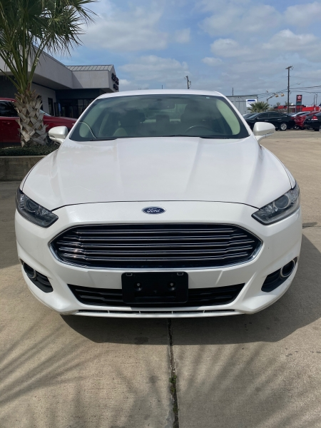 Ford Fusion 2016 price $15,999