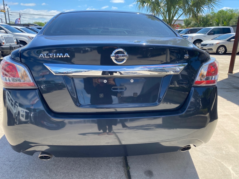Nissan Altima 2015 price $12,550