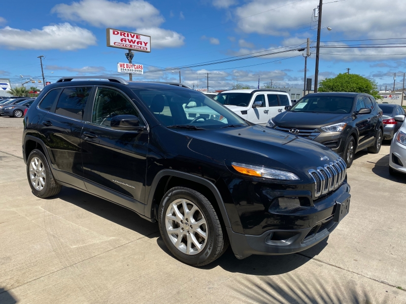 Jeep Cherokee 2015 price $15,999