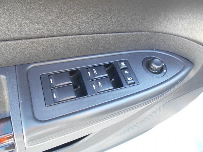 2009 Chrysler 300 4dr Sdn 300c Hemi Rwd Drive Away Auto