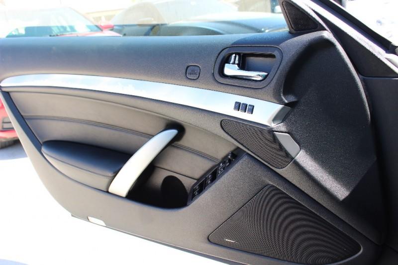 2010 Infiniti G37 Convertible 2dr Base Drive Away Auto