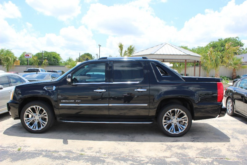 2007 cadillac escalade ext awd 4dr drive away auto sales for Drive away motors inventory