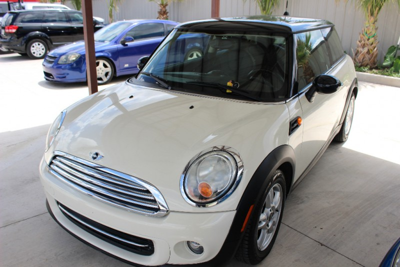2011 mini cooper hardtop 2dr cpe drive away auto sales for Drive away motors inventory