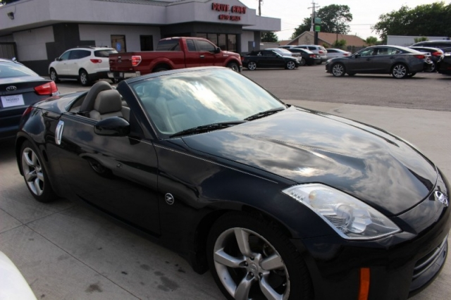 2007 Nissan 350Z 2dr Roadster Auto Touring - Drive Away Auto Sales ...
