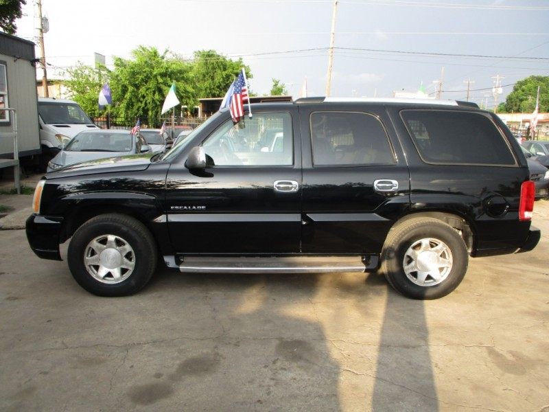 Cadillac Escalade 2004 price $3,900