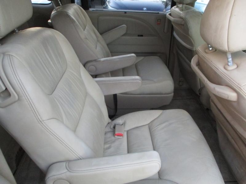 Honda Odyssey 2005 price $3,800