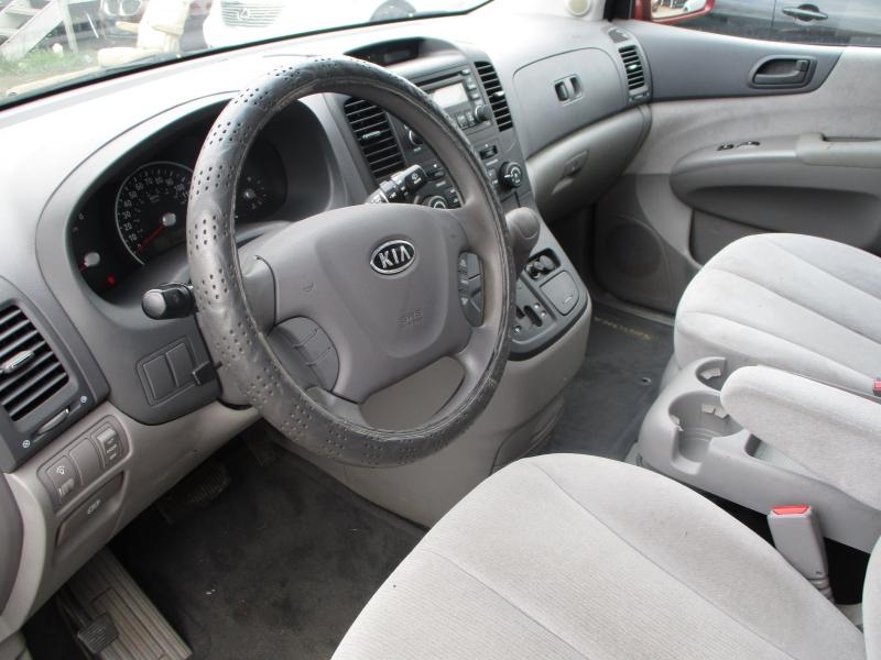 Kia Sedona 2008 price $4,600