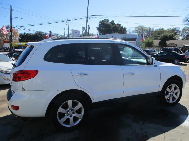 Hyundai Santa Fe 2009 price $4,800
