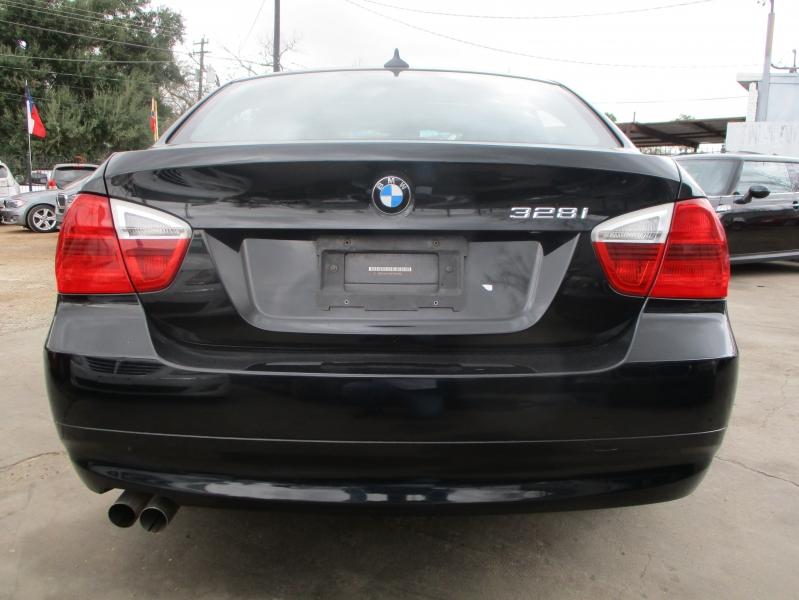 BMW 3-Series 2007 price $3,900