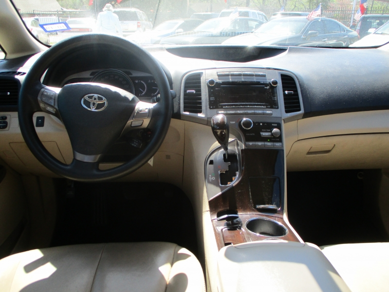 Toyota Venza 2011 price $7,500
