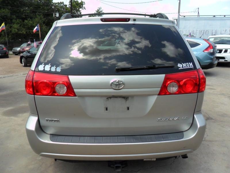 Toyota Sienna 2008 price $4,800