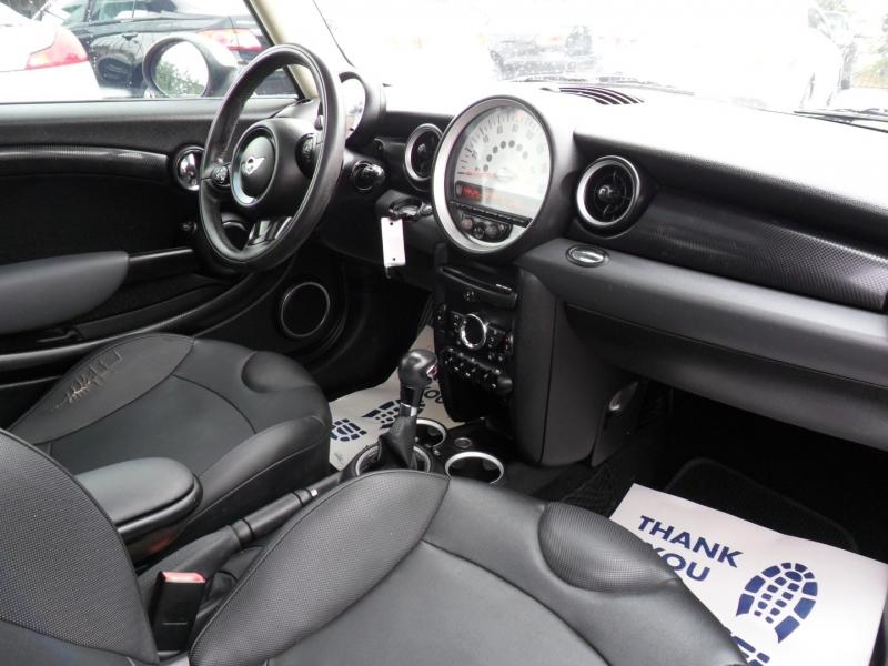 Mini Cooper Hardtop 2011 price $5,500