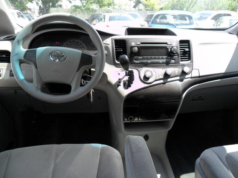 Toyota Sienna 2012 price $6,600