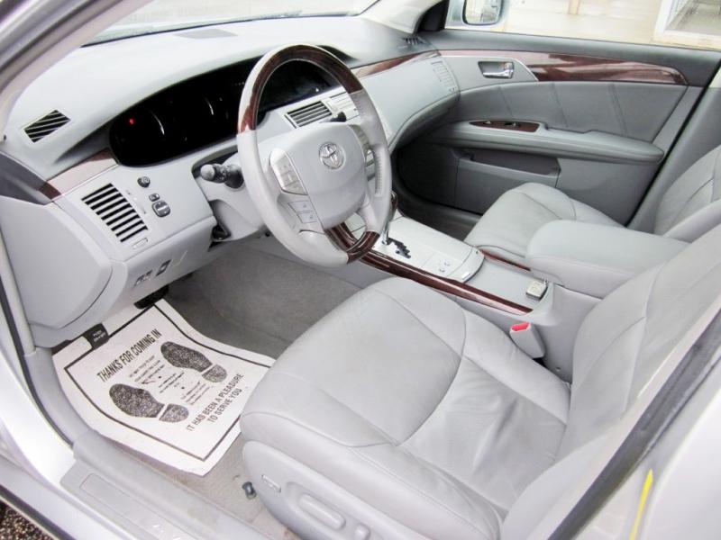 TOYOTA AVALON 2009 price $7,999