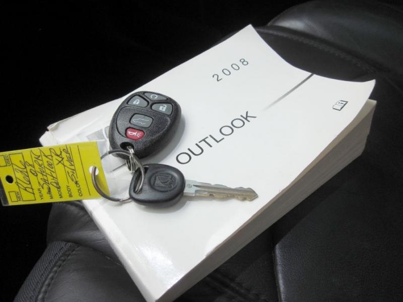 SATURN OUTLOOK 2008 price $7,999